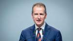 VW-Konzernchef Diess gibt Führung der Kernmarke ab