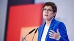 Kramp-Karrenbauer entscheidet Machtprobe bei CDU-Parteitag für sich