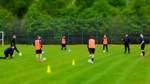 Alle auf Abstand: Die Fußballer der TuSG Ritterhude hatten am Dienstagabend das erste gemeinsame Training nach fast zwei Monaten.