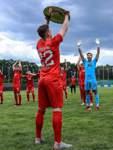 Fußball Bremen Liga - Meisterfeier FC Oberneuland, Feier auf Abstand