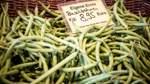 Auf dem Wochenmarkt in Bremen am Benqueplatz gibt es Obst und Gemüse aus der Region.