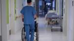 Bis 2035 fehlen tausende Pflegekräfte in Bremen