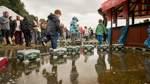 Bilder vom Hochwasser: Weser umspült Buden auf der Breminale