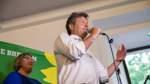 """Der Grünen-Bundesvorsitzende Robert Habeck hat das starke Ergebnis bei der Bremer Bürgerschaftswahl als """"Regierungsauftrag ohne Frage"""" bezeichnet. Die Wahl im kleinsten Bundesland als Signal für Klimaschutz und den Zusammenhalt in Bremen habe auch Auswirkungen auf die Atmosphäre in der Bundespolitik, sagte Habeck am Sonntag in Bremen nach den Prognosen von ARD und ZDF. Demnach kamen die Grünen auf 18 bis 18,5 Prozent.   Mit Blick auf die noch bessere Hochrechnungen für die Grünen bei der Europawahl sagte Habeck, seine Partei habe einen """"Verantwortungsauftrag"""" in Bremen wie in Europa."""