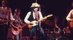 """""""Rolling Thunder Revue: A Bob Dylan Story"""" - ab dem 12. Juni bei Netflix   Den meisten Fans ist Martin Scorsese als Regisseur von Filmen wie """"Taxi Driver"""", """"Gangs of New York"""" oder """"The Wolf of Wall Street"""" bekannt. Der Star-Regisseur produziert aber auch immer wieder Dokumentationen, so wie diese über Bob Dylan, über den er 2005 schon mal eine Dokumentation drehte. Der Film befasst sich mit der Tour des Musikers, die vom Herbst 1975 bis ins Frühjahr 1976 dauerte."""