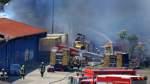 Großbrand, mit zwei Detonationen,  in der Bremer Neustadt - beim Neustädter Güterbahnhof