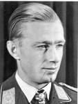 Helmut Lent war Jagdflieger der Wehrmacht. Ob die Rotenburger Kaserne weiterhin nach ihm benannt bleibt, darüber wird der Rotenburger Kreistag am Mittwoch entscheiden.