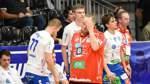 Trainer Matthias Ruckh und seine Spieler erlebten in Hagen einen missratenen Saisonauftakt. Als das Foto entstand, war die Schulter von Janik Schluroff (ganz links) bereits kaputt.