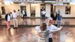 Wie sich eine Bremer Tanzschule zurück in den Alltag wagt