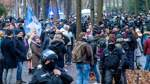 Polizei schreibt rund 700 Anzeigen wegen Versammlungen am Samstag