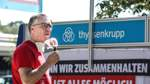 Betriebsratschef Guido Heinrich bei einer Gewerkschaftsaktion: Im Sommer hatte er die Beschäftigten über einen möglichen Verkauf des Farger Werks informiert.