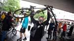 Fahrradfahrer demonstrieren in Bremen für mehr Verkehrssicherheit