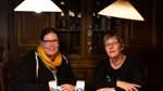 Bianca (links) und Birgit Wilker aus Apelstedt basteln und entwerfen individuelle Deko.