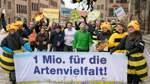 """Volksbegehren """"Rettet die Bienen"""" sammelt eine Million Unterschriften"""