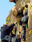 Bunker am Mählandsweg, Gröpelingen:    Bei diesem Exemplar handelt es sich um einen von der Reichsbahn im Zweiten Weltkrieg gebauten Hochbunker zum Schutz für Eisenbahner bei Luftangriffen. Auch er wurde umfunktioniert. In einem Zusammenschluss des Sportvereins Grambke-Oslebshausen (SVGO) und des Turnvereins Grambke ist unter der Leitung des Geschäftsführers Holger Bussmann ein Zentrum für den Klettersport entstanden. 18 Meter hoch ist der Kletterbunker am Mählandsweg.
