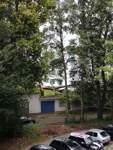 In der Vahr ist ein Baum auf ein Haus gefallen.