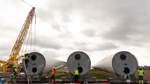 Schon gewusst? Wenn die Rotorblätter mit ihrer Länge zum restlichen Turm passen, wirkt die Windkraftanlage nicht so groß.