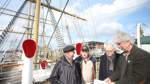 Mit Unterschriften gegen das Hochhaus am Vegesacker Hafen