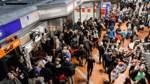 """Nach """"Xavier"""": Strecke Hamburg-Bremen auch Freitag nicht mehr befahrbar"""
