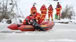 DLRG simuliert Eisrettung auf dem Hasportsee