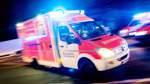 18-Jähriger unter Auto eingeklemmt