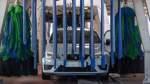 Autofahrer in der Waschanlage sehr schwer verletzt