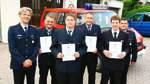 Feuerwehrmänner befördert und geehrt
