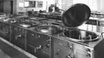 Um für bis zu 650 Patienten zu kochen, waren große Küchenkessel nötig. Das ist nur ein Teilbereich der 1968 in Betrieb gegangenen Großküche des Klinikums.