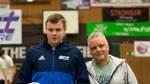 Bester Torwart des Turniers: Jannik Blome vom SC Twistringen, hier mit Peter Miklis vom Fußballkreis.