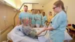 Eine Klinikstation in der Hand von Schülern