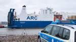Bremerhaven: Greenpeace-Aktion gegen militärische Großübung