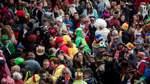 Karneval gestartet - Gedenken an die Opfer von Hanau