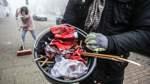 Wie Freiwillige in Blumenthal nach Silvester die Straßen säubern