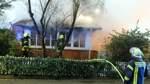 Mann bei Feuer lebensgefährlich verletzt