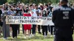 Hunderte demonstrieren in Hamburg und Düsseldorf gegen Polizeigewalt