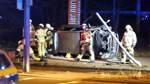 Betrunkene Autofahrerin rammt Ampelmast