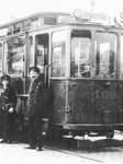 Fototermin für die stolze Besatzung der Linie 9 an der Gustav-Deetjen-Allee.