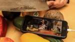 Timo Thalmann nimmt an einem Online-Kochkurs mit Sternenköchen der VHS Bremen teil