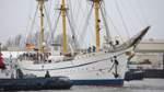 """""""Gorch Fock"""" hat wieder Wasser unterm Kiel"""