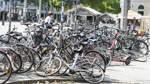 Hunderte Autoparkplätze sollen zu Radstellflächen werden