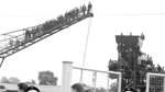 Als amtierender Meister lockt Werder Bremen im September 1965 die Massen an und mancher Fan, nimmt auch gefährliche Wege auf sich, um ein Spiel im Weserstadion verfolgen zu können.