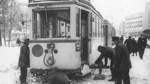 Februar 1966: Schnee und Eis legen den Straßenbahn- und Busverkehr in Bremen lahm.