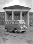 Premiere 1951: der T1 Samba auf einem der ersten Werksfotos.