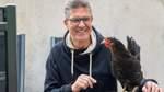 Ralf-Wigand Usbeck vermietet seine Hühner