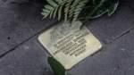 Erneut Hakenkreuz auf Gedenkstein
