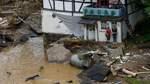 Mindestens 80 Tote bei Hochwasser-Katastrophe