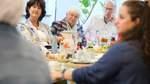 DRK-Präsidentin Gerda Hasselfeldt besucht CaféKö