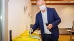 Kommunalwahlen Niedersachsen - Stimmabgabe Weil